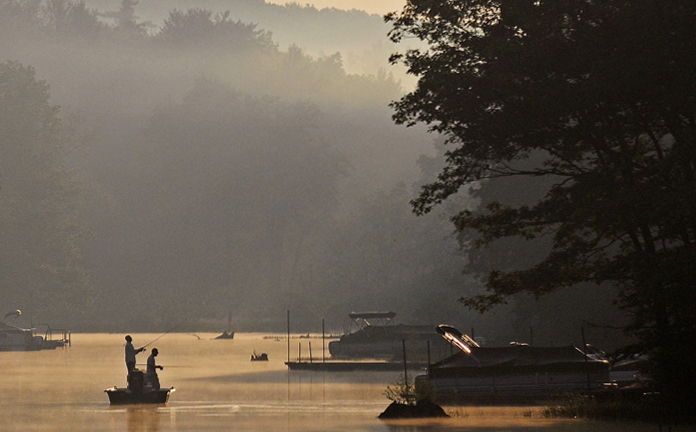 Fog dcl deep creek lake discovery center fishing i see for Deep creek lake fishing