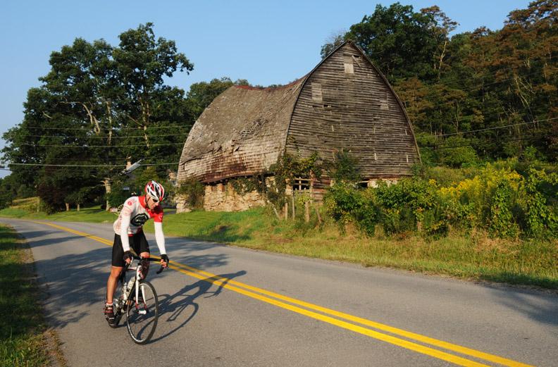 web biker old barn DSC_7126
